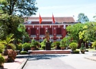 quoc hoc high school hue